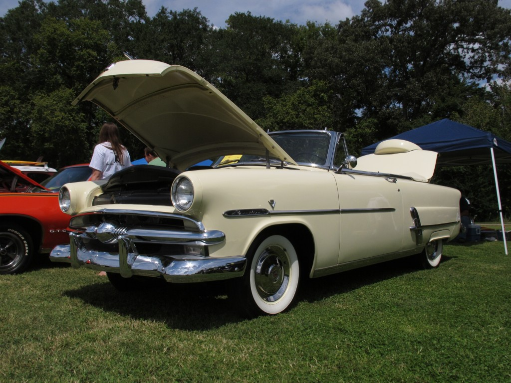 1953 Ford Convertible; Photo, Diana Kennedy